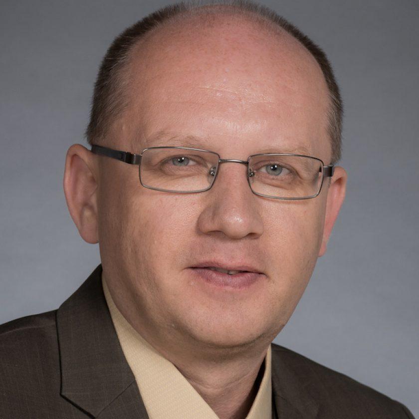 Alex Mamishev Headshot