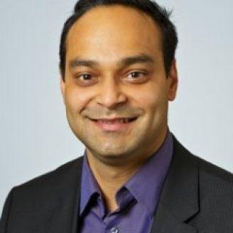 Manu Parashar Headshot