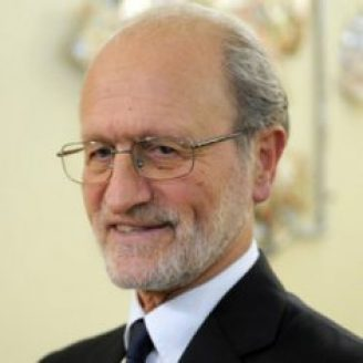 Paolo Dario Headshot