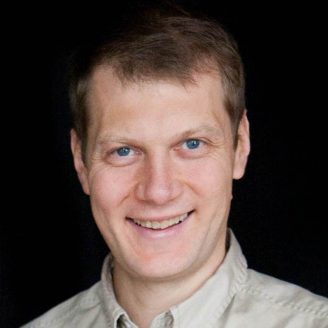Pavel Nikitin Headshot