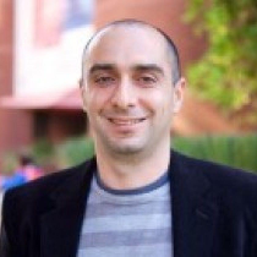Hossein Hashemi Headshot