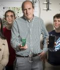 UW researchers develop world's first battery-free phone Thumbnail
