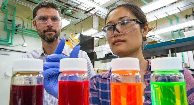 Researchers achieve quantum dot solar cell world record Banner