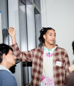 Students access new technology through UW engineering, Sonos partnership