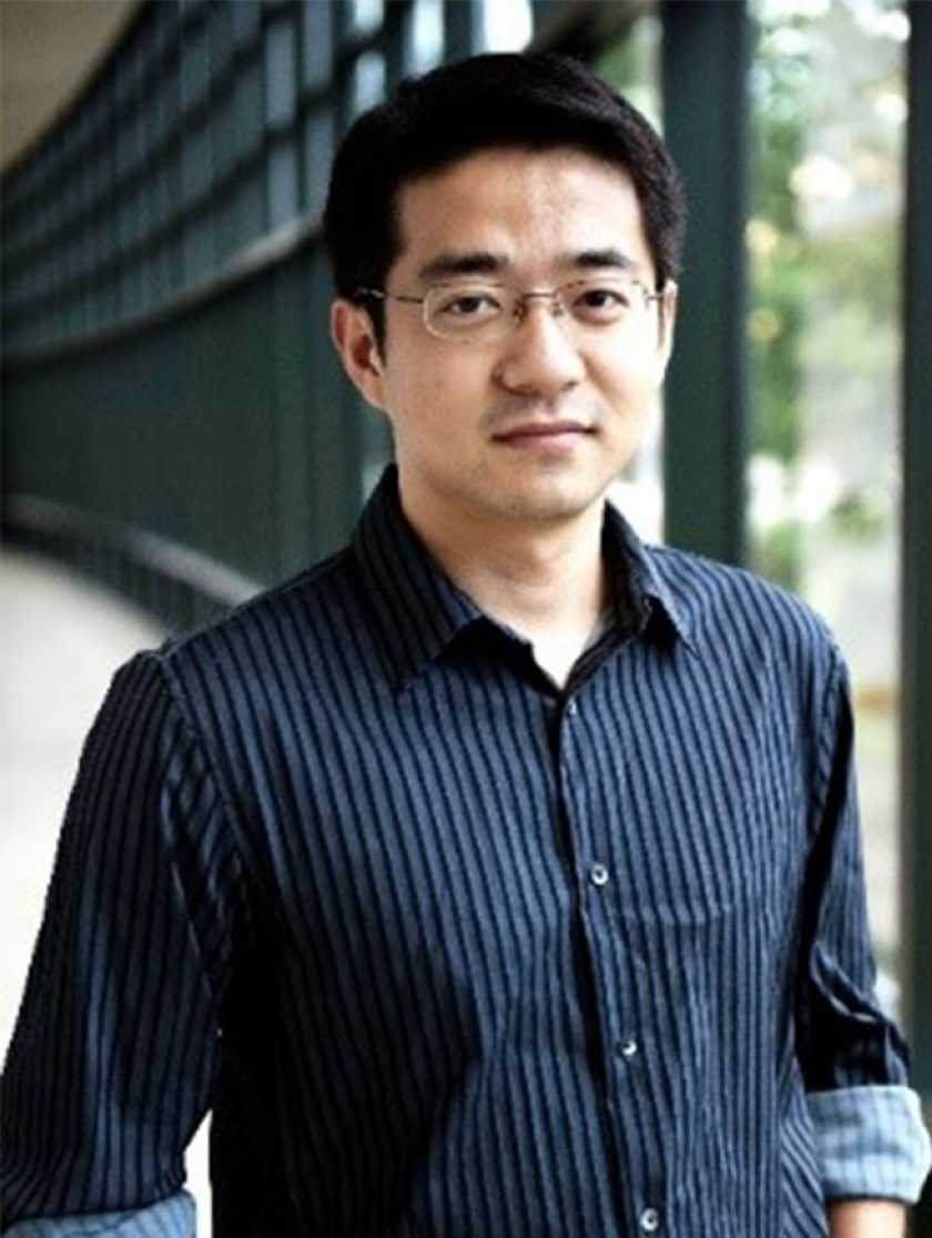 Mo Li Headshot