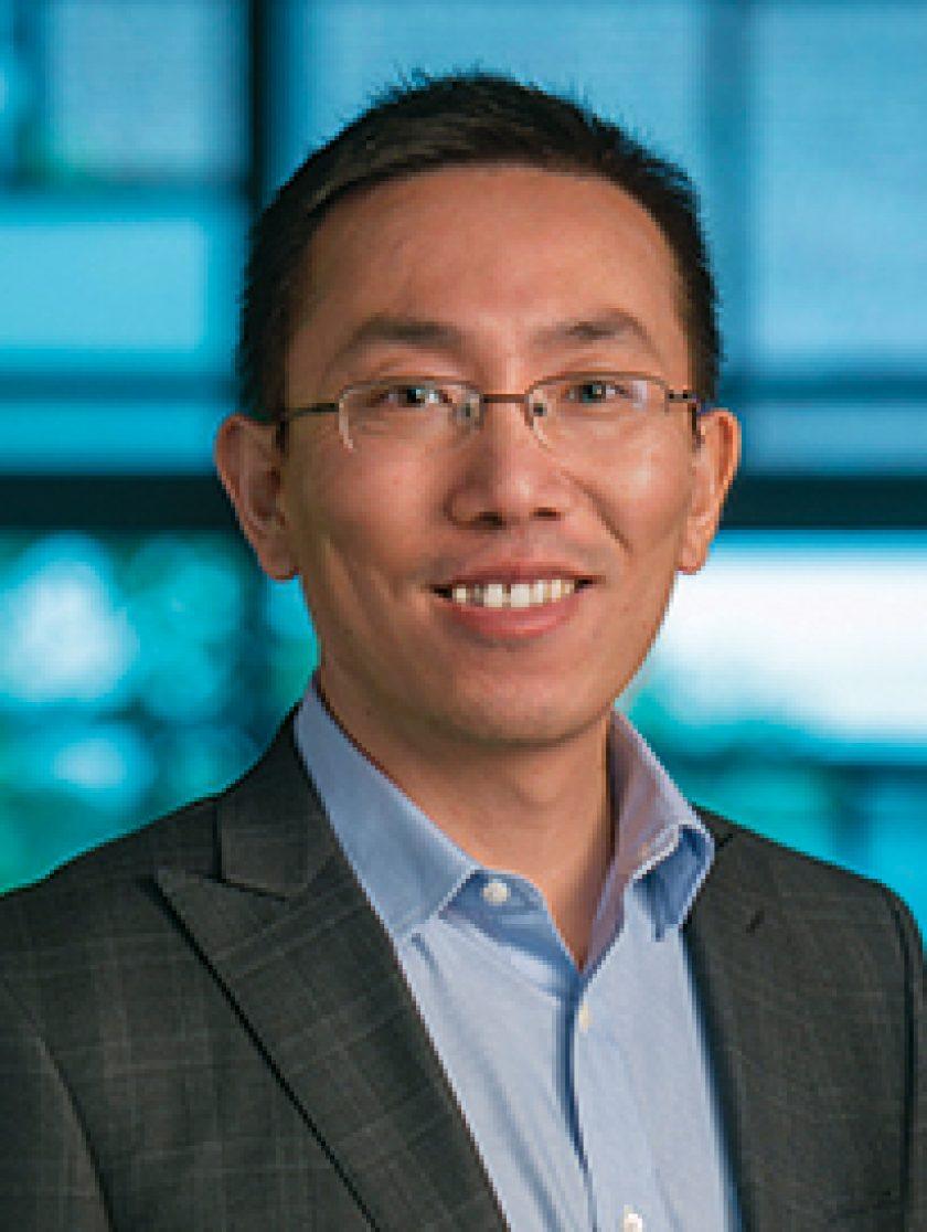 Liang Feng Headshot