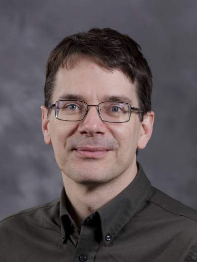 Headshot of Professor Eric Klavins