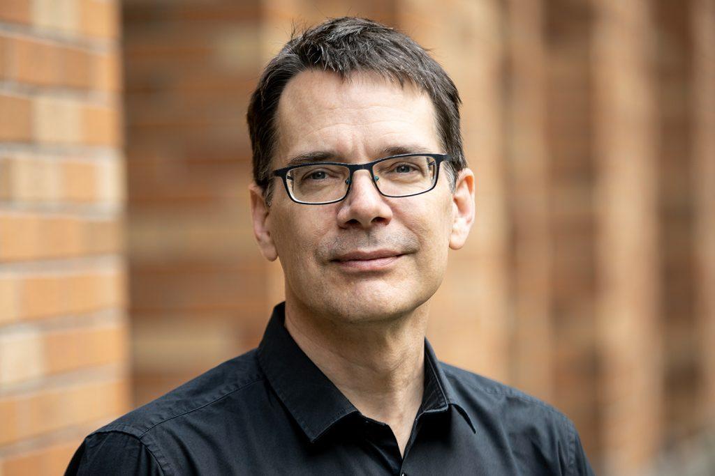 UW ECE professor and Chair Eric Klavins